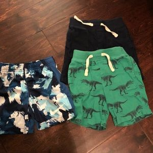 Bundle of boys 3T shorts from gap and nike